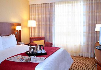 HOTEL COURTYARD BY MARRIOTT PARIS LA DEFENSE COLOMBES