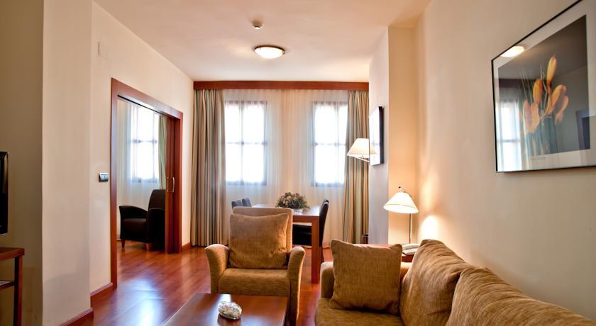 The Dragonara Apartament
