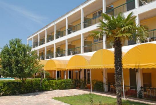 HOTEL FEAKION