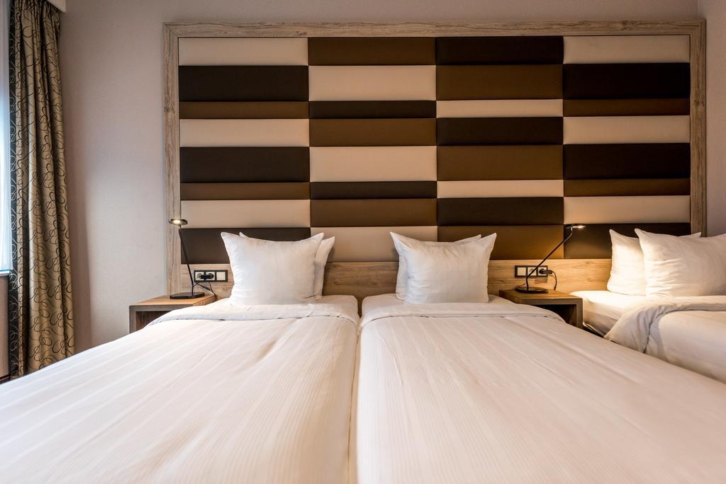 Xo Hotels Blue Square Amsterdam,