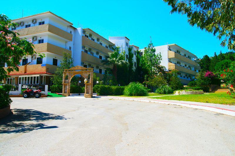 Achousa Aparthotel