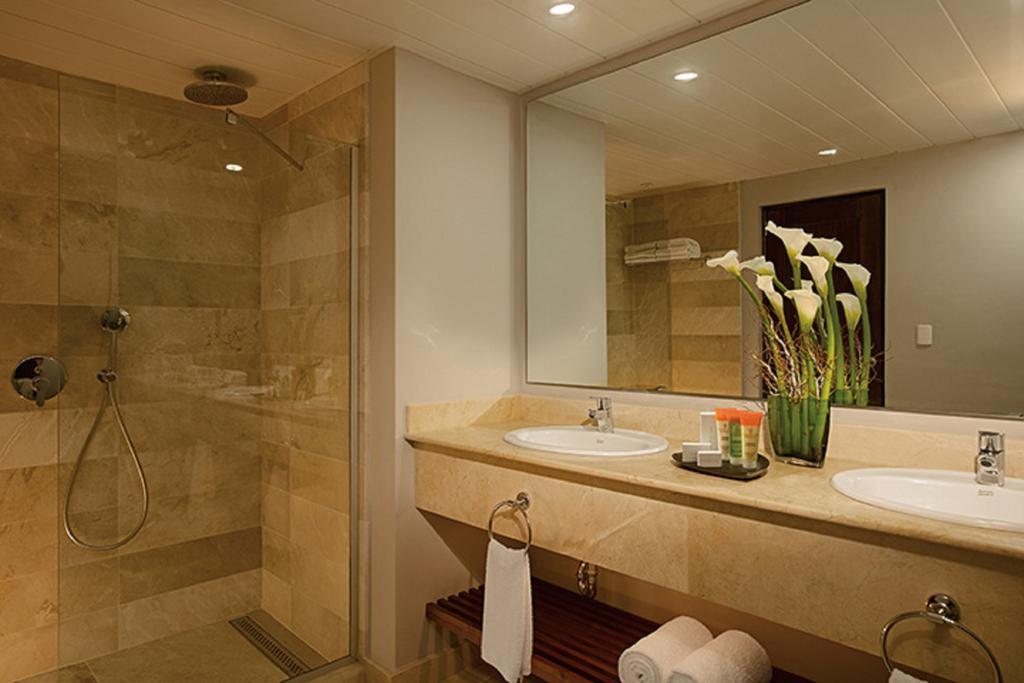 HOTEL SUNSCAPE DOMINICAN BEACH - hotels in Bavaro BIN2