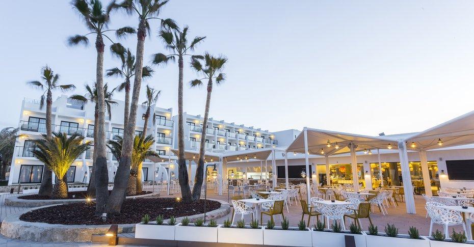 Grand Palladium White Island Resort And Spa