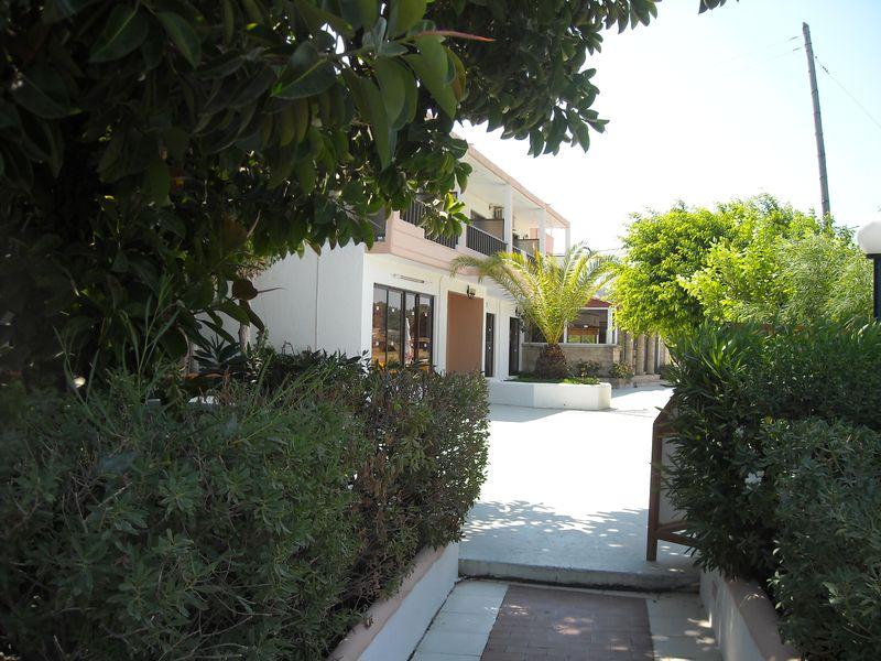 Evita Beach Hotel