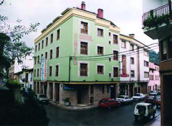 hotel rey nino avila: