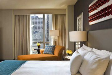 THEWIT CHICAGO A DOUBLETREE BY