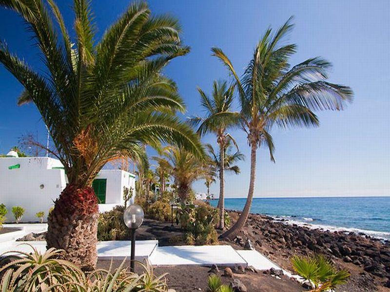 Bungalows velazquez hotel puerto del carmen lanzarote for Designhotel lanzarote