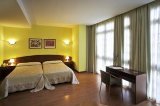 hotel HOTEL LA VILLA ARGA en la población de Aviles