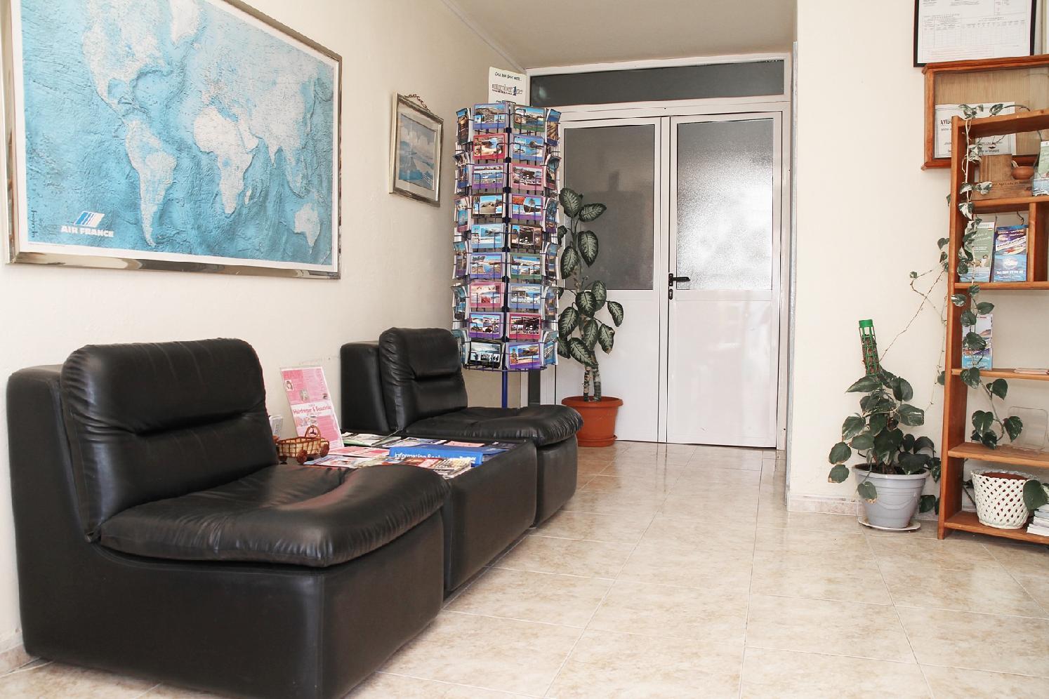 Las Lilas Apartments