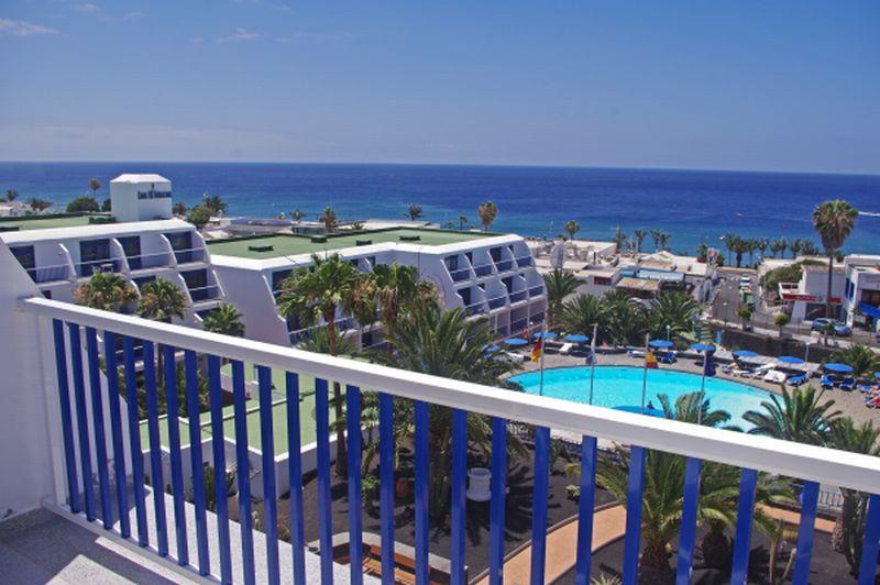 Los hibiscos apartamentos hotel puerto del carmen - Apartamentos baratos en lanzarote puerto del carmen ...